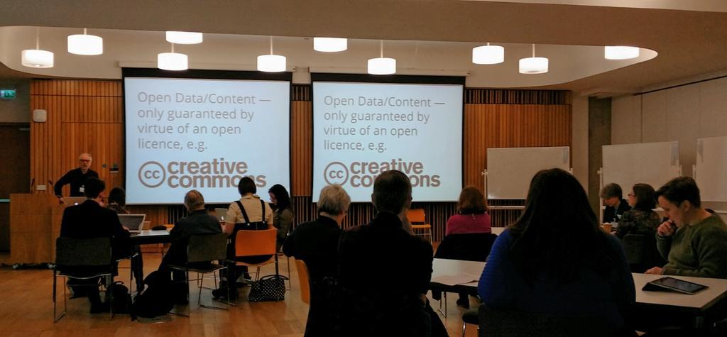 Todays #OpenEd seminar introduced by @ewanhklein explores @EdinburghUni possibilities  #openeducationwk #openaccess http://t.co/bTU8oPMcK0