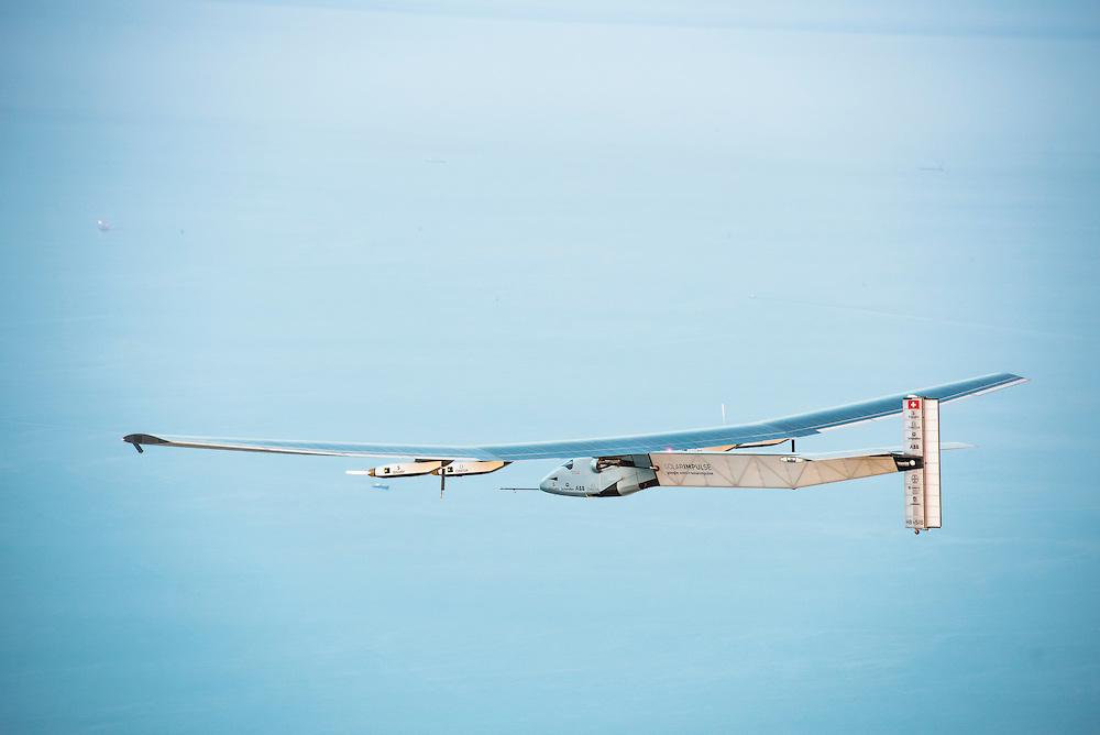 RT @solarimpulse: #PREVIEW #Si2 made some stunning photographs across the Arabian desert and the Gulf of Oman