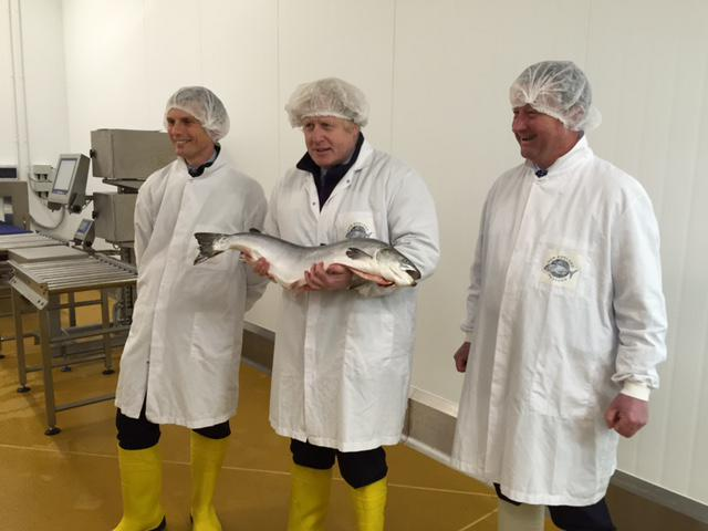 Whilst there I met with their apprentices to talk about what they do & looked round their plaice of work 2/2 http://t.co/DX4dRhAJfJ