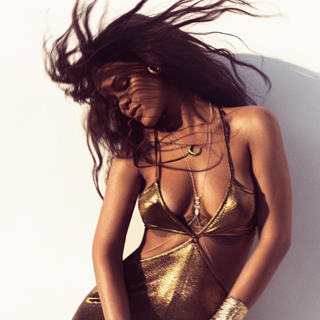 MAJOR news for Rihanna! http://t.co/7PW4IRyF3m http://t.co/KOa2r6xn1c