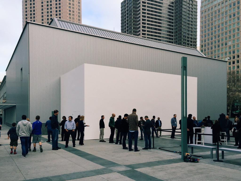 The return of the white cuboid. #AppleLive #AppleWatch #AppleWatchEvent http://t.co/ohLh5zC68s