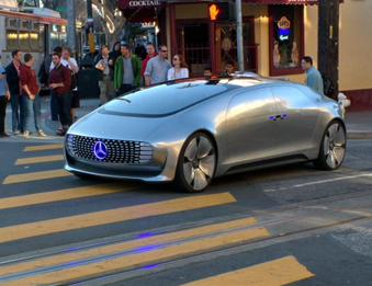 Mercedes' F015 was spotted in SF, although it's unknown if anyone was behind the wheel. http://t.co/BCDQfF2bRy http://t.co/LVcMcz9MJs