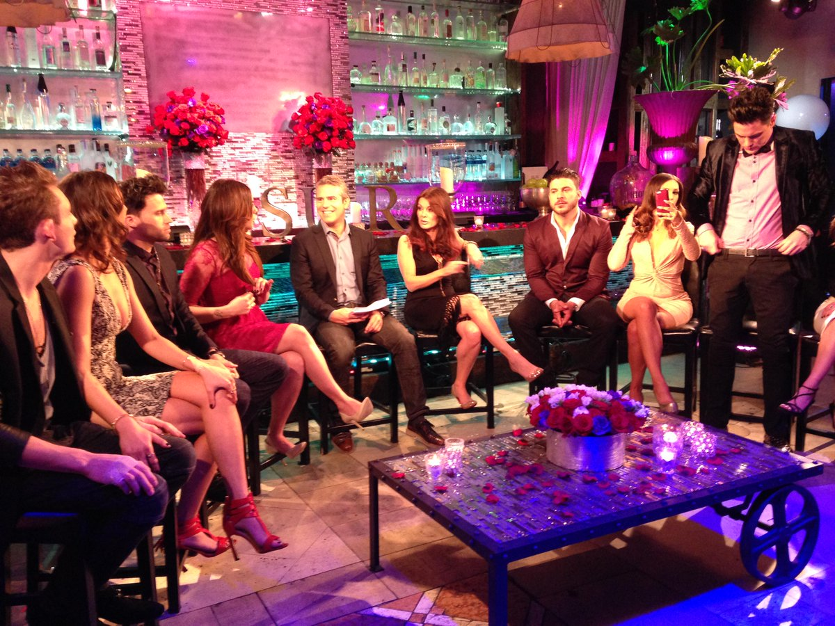 Start your engines! #Pumprules Reunion Part one is tonight! Can you stand it......More to come http://t.co/vzAz6kAjJD
