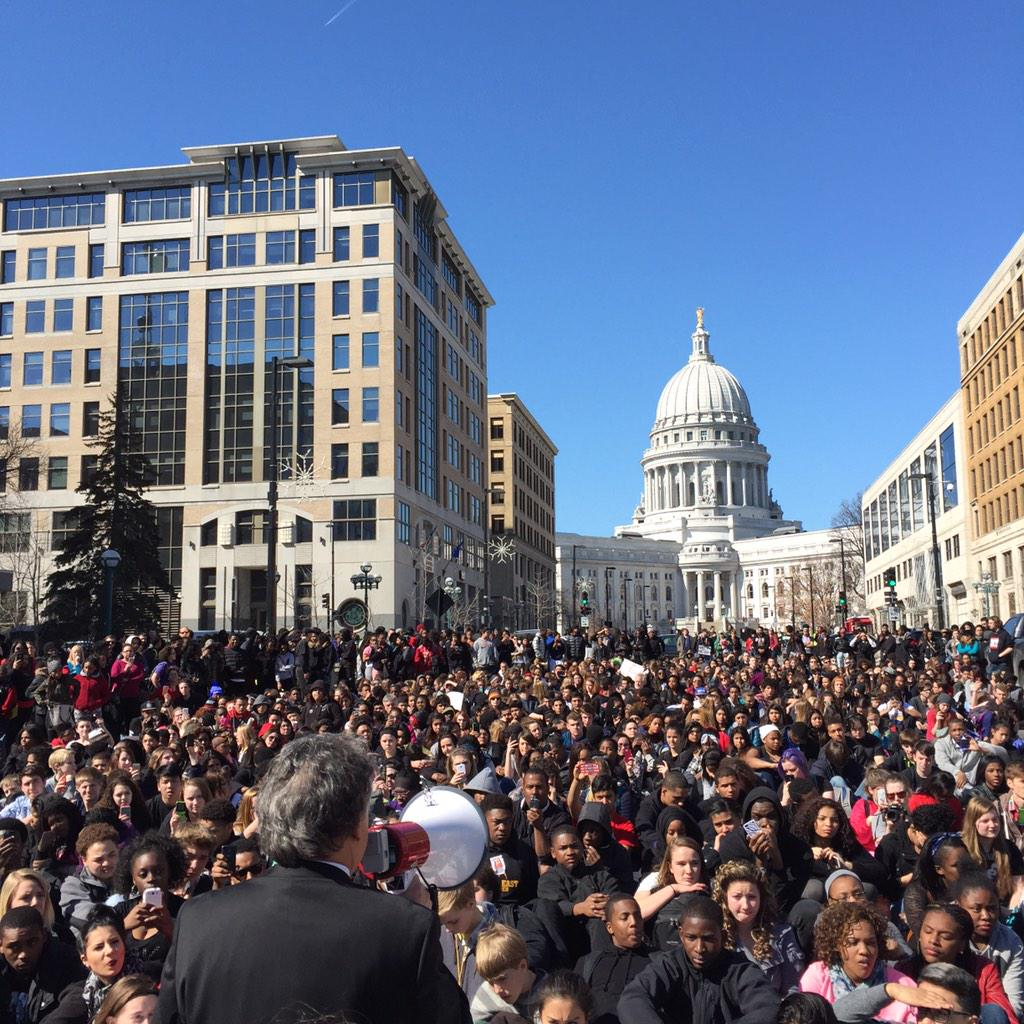 Mayor @PaulSoglin addressing the protestors sitting down on MLK Jr. Blvd. #justice4tony #TonyRobinson http://t.co/BpxK08IbIy