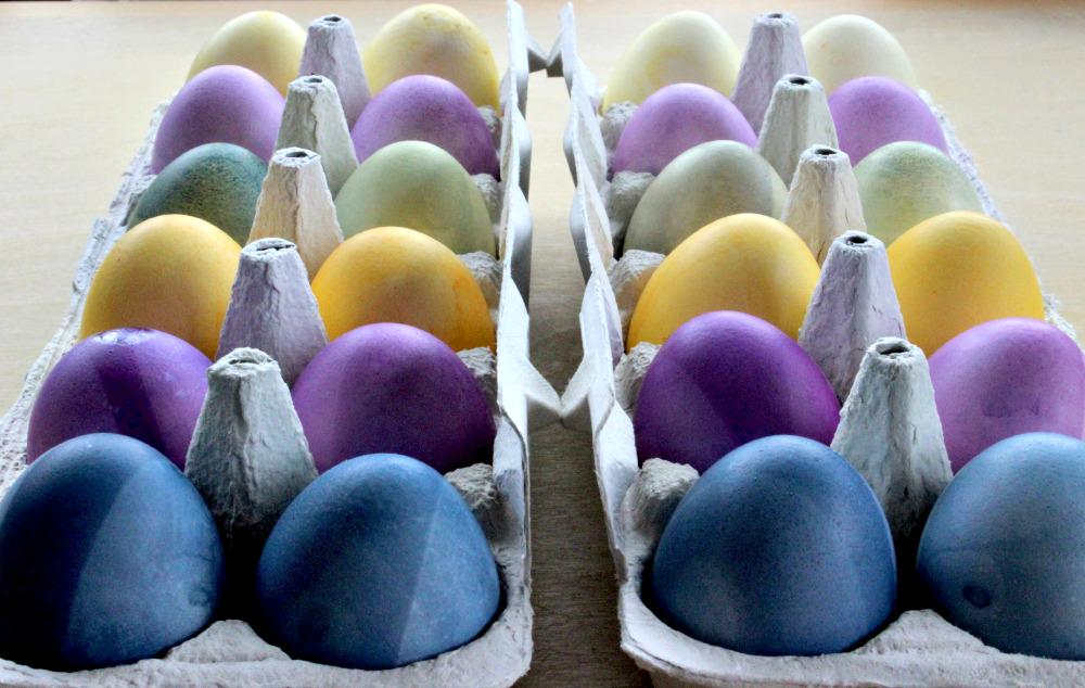 Beautifully dyed eggs are easy with the help of organic fruit, plant and vegetables extracts. http://t.co/PVoe3gx08a http://t.co/G9SmcsxWaD
