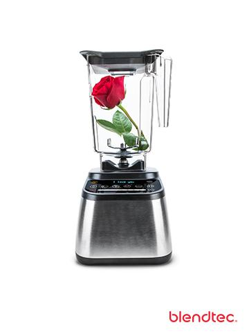 #TeamWhitney or #TeamBecca? If we get 1000 RTs someone will get this #finalrose (& blender!) #TheBachelor http://t.co/89Vye0rUnu
