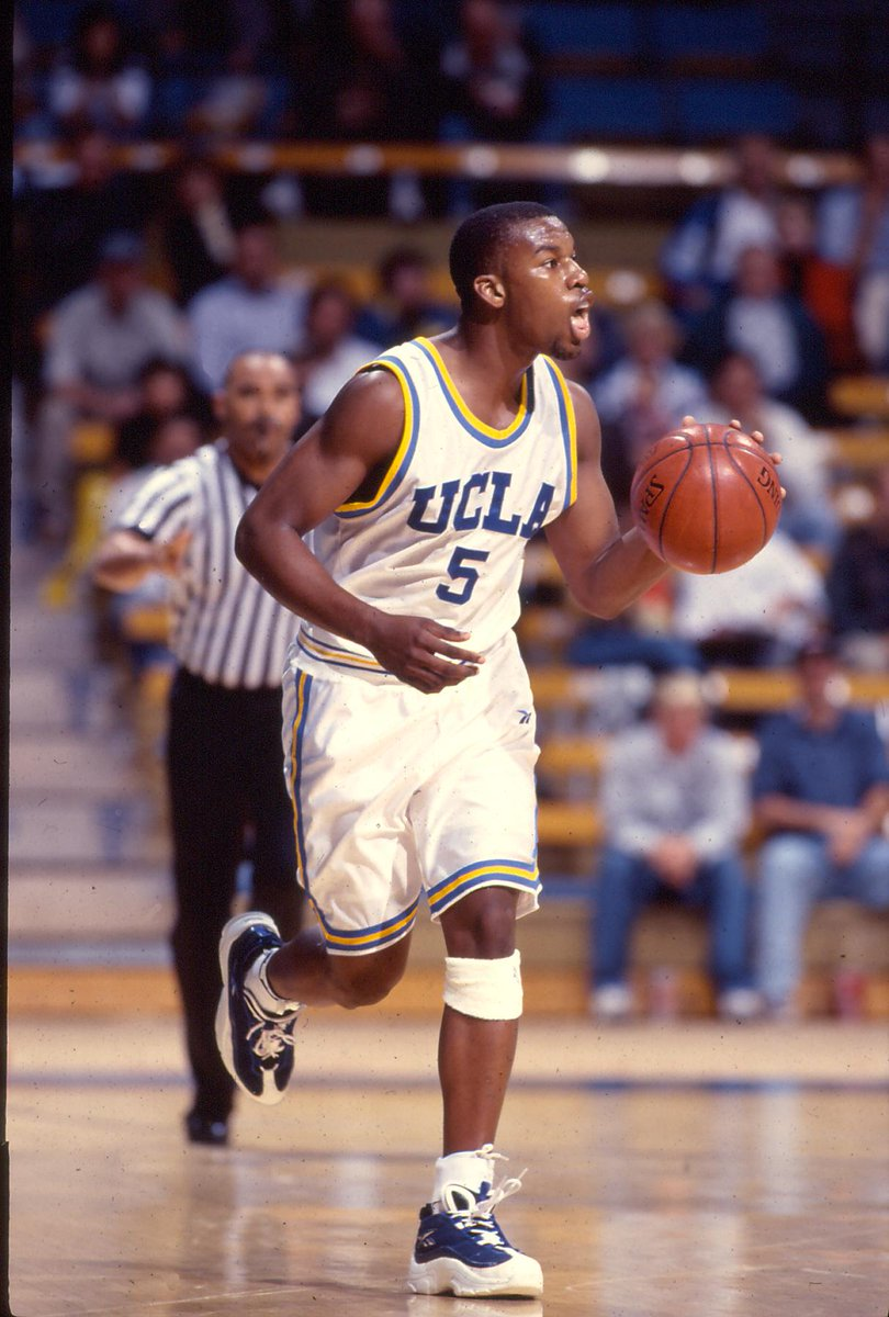 #TheDrewDoc director @Baron_Davis playing 4 @UCLA @UCLAMBB #bruins come by/support! http://t.co/uz1cOFItms @UCLA_SA http://t.co/Ic7xZJ50Rl