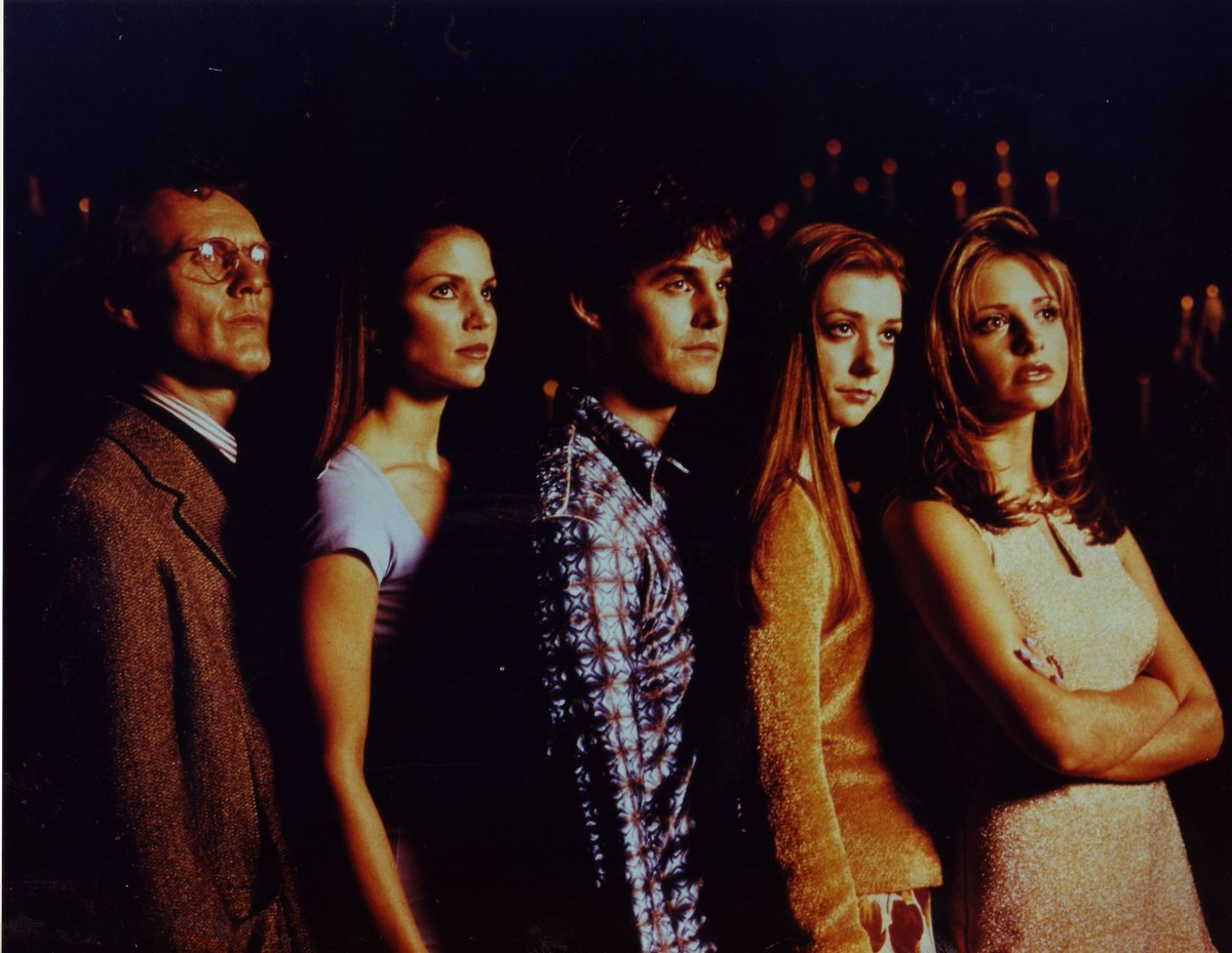 Buffy premiered today back in 1997 http://t.co/kfx5AabCrf