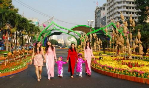 Where will you all go? RT @tuoitrenewsvn: A long holiday to come next month in #Vietnam http://t.co/eKCcBqPQdw http://t.co/B3I8Ifajl5