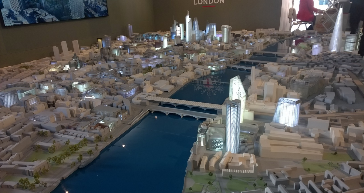 A stunning model of the #City of #London just unveiled at #MIPIM2015 #MIPIM http://t.co/fxSFx8TSMN