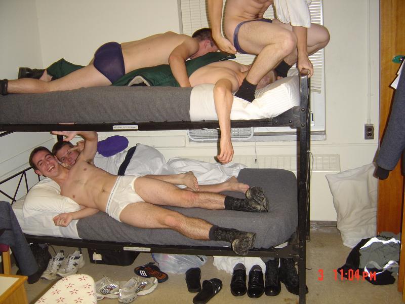 drunk-guy-sex-nude-girl-pyramid