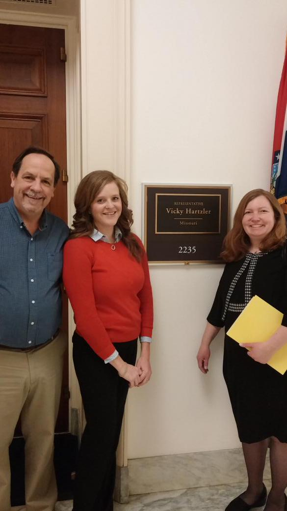 MASN staff preparing to meet with @RepHartzler. #afterschool4all #invest3to6 http://t.co/yGDUZ8WWiQ