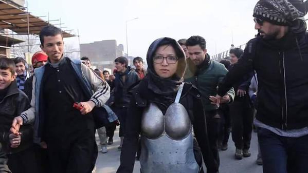 She walked in armor to protest sexual harassment; now receiving death threats http://t.co/NHpNZrtoHM #Afghanistan http://t.co/LTTPRx7ZSG