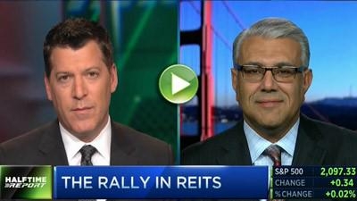 .@CNBC and Hessam Nadji Examine Interest Rate's Influence on Commercial Real Estate, #REITs http://t.co/2AlxjI05oA http://t.co/2gEDH17iQg