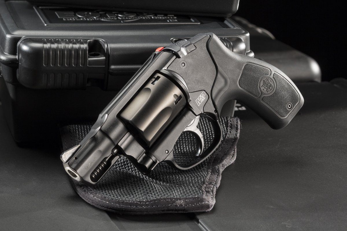 Revolvers are high-tech! A @SmithWessonCorp M&P Bodyguard 38 with @CrimsonTrace laser and @DeSantisHolster Nemesis. http://t.co/1fGtBqIsq8