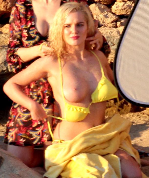 Helen Flanagan Topless Photos