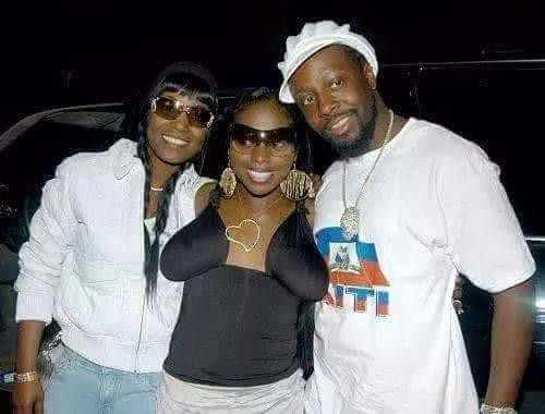 Im out RT @hotterthanjuly: Foxy Brown's titties look like they're ready to take brownies out of the oven. http://t.co/PJKOgBwwdy