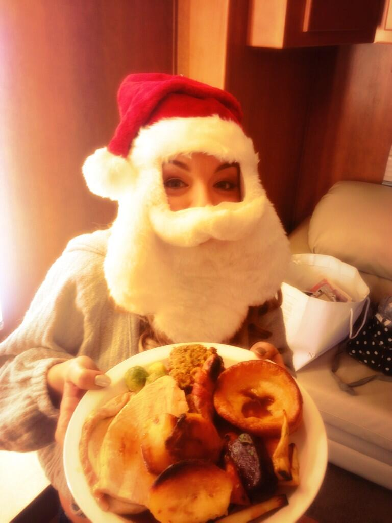 It's Christmas dinner day on our film set today! @tomolpo will yours be as nice? ;) http://t.co/d9LRbvwbtu