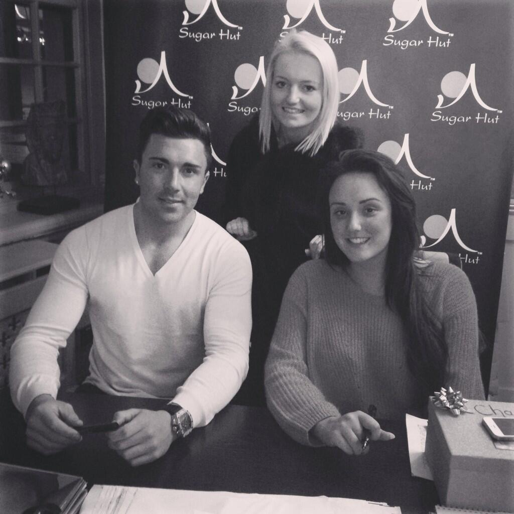 RT @fayemariexx: Just met @JamesGShore and @CharlotteGShore at sugarhut 🙊 http://t.co/oRspHqKSNJ