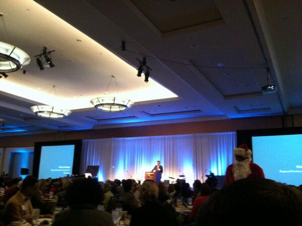 Weston Andress of PNC welcomes over 500 people to @HBGanttCenter lunch. #Jazzy2013 #ImagineAnew http://t.co/2AsY2IV9Xm