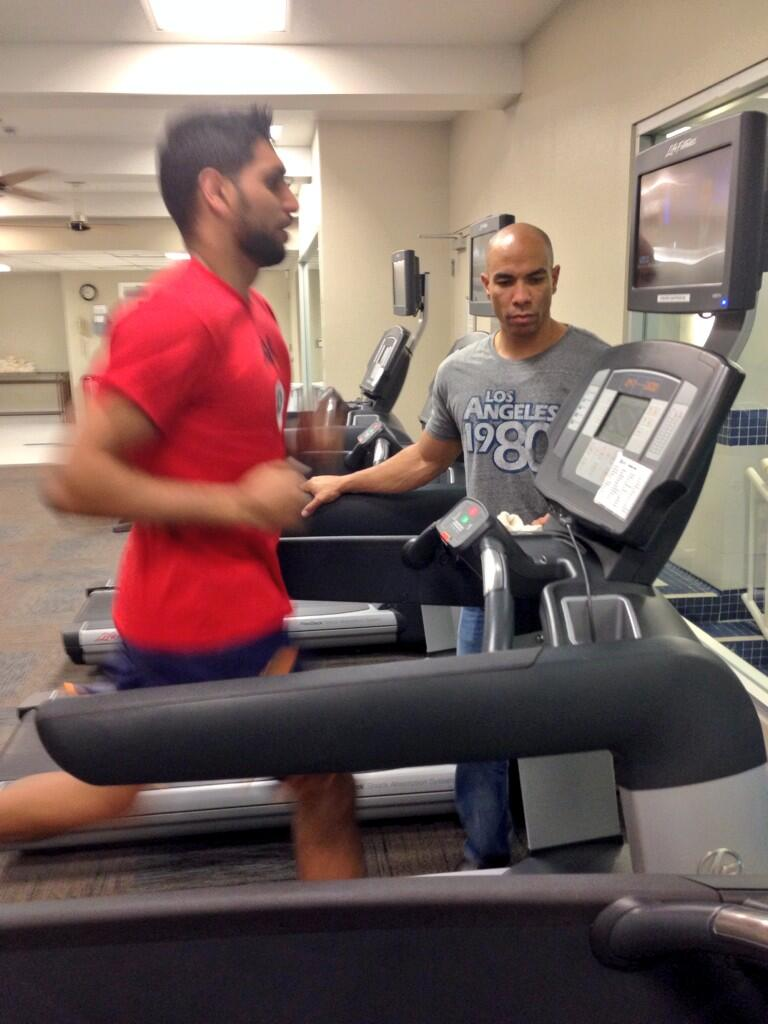RT @Taz786khan: @AmirKingKhan @Tony_Brady finishing his workout with a sprint on the treadmill http://t.co/O3945F8u3d