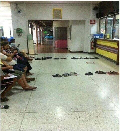 Queuing Caribbean style http://t.co/4AaR65AjqK