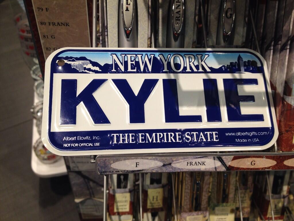 RT @kyliesatsaloud: @kylieminogue Look what I found!! 😁😍🚖🚘🚗 #kylienyc This made my day! http://t.co/7T5F7xg0ro