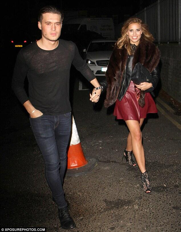 RT @towieloversxxxx: @fernemccann and @charlessims_ out recently http://t.co/gqSKVs4zx8