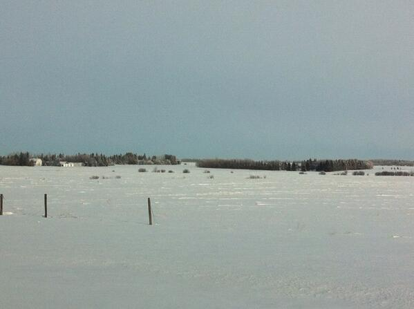 Rural Alberta - radio says -44 w/ windchill #bleak #neverendingfields #snow #cold http://t.co/wPqNoEfO1M