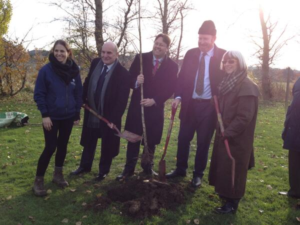 Thumbnail for Forestry Minister joins in #NationalTreeWeek tweet-a-thon