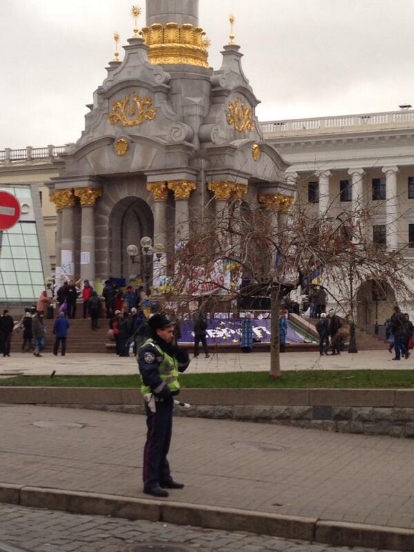 Восьмая ночь Евромайдана: тысячи активистов и десятки музыкантов отстаивали выбор украинцев - Цензор.НЕТ 7434