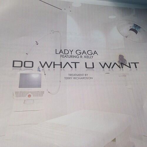 """Videoclip >> """"Do What U Want"""" - Página 15 BaBqkXECAAAiVpf"""
