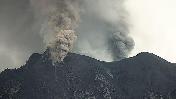 L'activité du volcan Sinabung, 27 novembre 2013