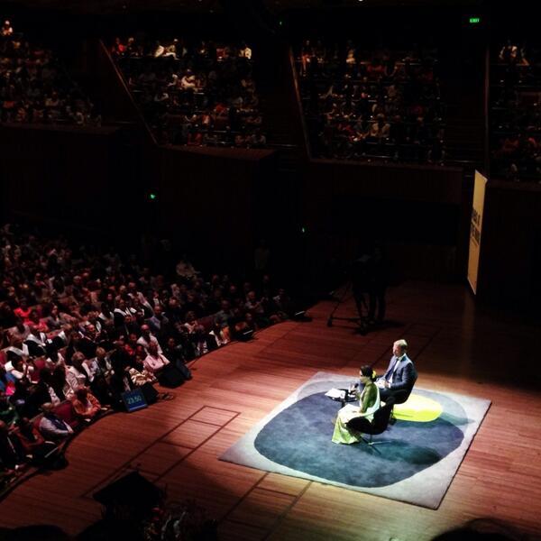 #AungSanSuuKyi addressing audience questions. Very inspiring. http://t.co/zT6qbIbBgw
