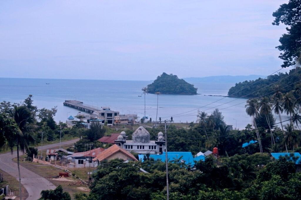 Pulo Nasi / Photo by @teguhimamaulana
