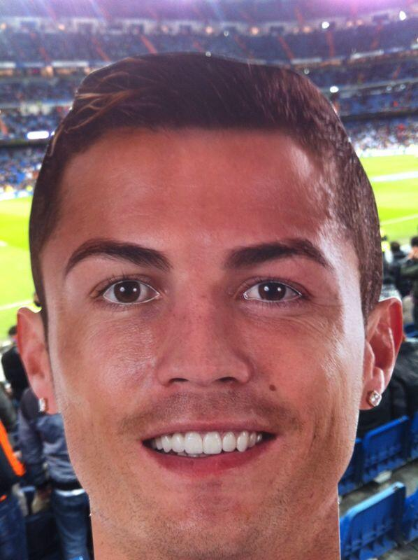 News now Real madrid - Cristiano masks The public supports the Cristiano Ronaldo