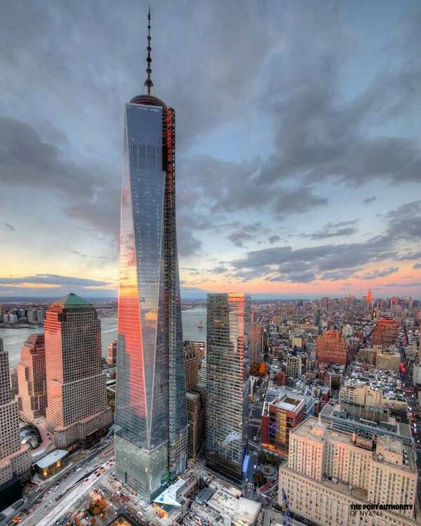 One World Trade Center is officially the tallest skyscraper in North America. http://t.co/prrvU2Dm1Y