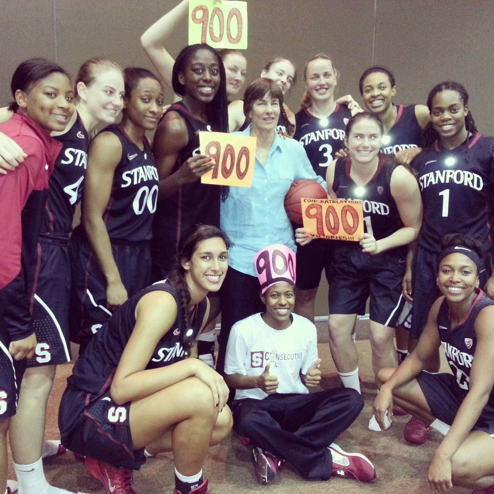 Stanford Coach Getting 900