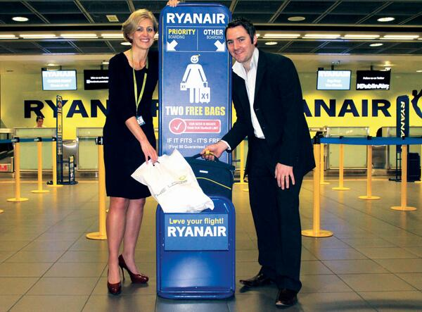 Ryanair On Twitter Your 2nd Small Bag Should Not Exceed 35 X 20 20cm We Tested Out Our New Sizers At Dublinairport Today
