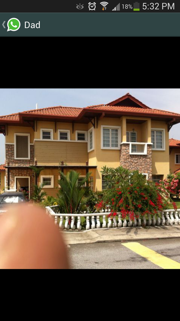 Humza Arshad On Twitter My Dad Took A Picture Of My House In