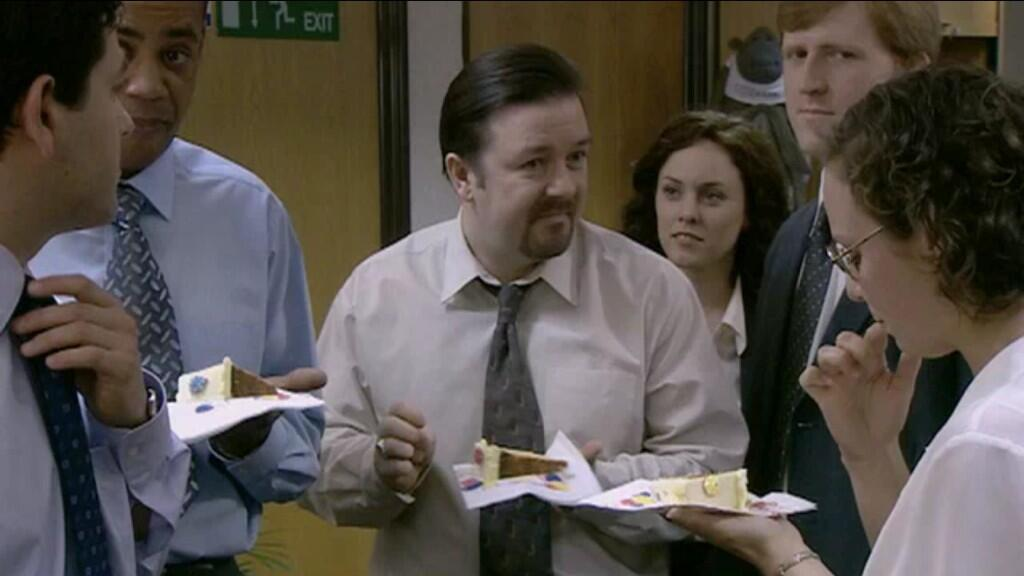 "RT @purbrooktony: .@rickygervais ""I prefer a flan"" #NationalCupCakeWeek  https://t.co/vcWfMxiDqJ"