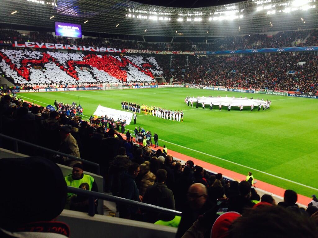 Manchester United Fans Bayer Leverkusen