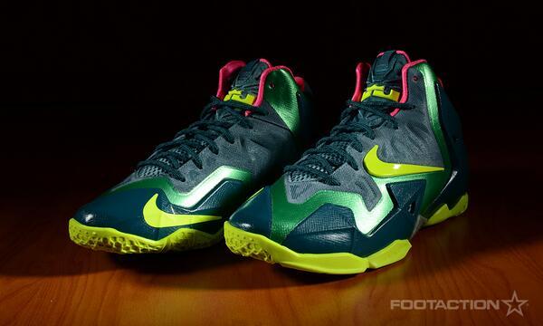 first rate ea087 679af  Nike LeBron XI GS
