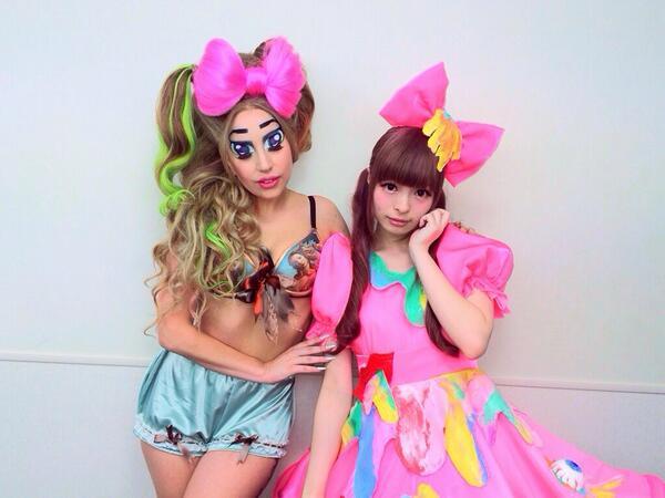 Lady Gaga&きゃりーぱみゅぱみゅ http://t.co/KUwmnZBHyB