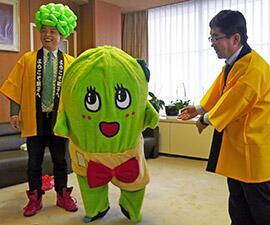 千葉県銚子市がふなっしー人気に便乗し、生き別れの妹「きゃべっしー」を製作 これはあかん... http://alfalfalfa.com/archives/6963519.html…