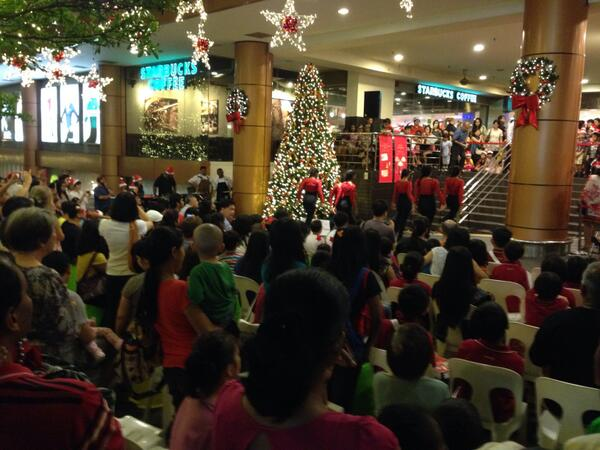 Celebrating Christmas with @StarbucksMY and BV. It was a light up session for the street and mall. Nicely done. http://t.co/ec7VS3BDXo