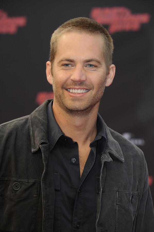 Paul Walker has reportedly died in a car crash in California.  He was 40 years old. http://t.co/gWBgtj9uBG #RIP