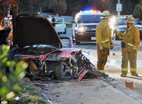 Photos show first responders at the scene of Paul Walker's tragic crash http://t.co/px04owSl9C #TeamPW http://t.co/eko292PlJz""
