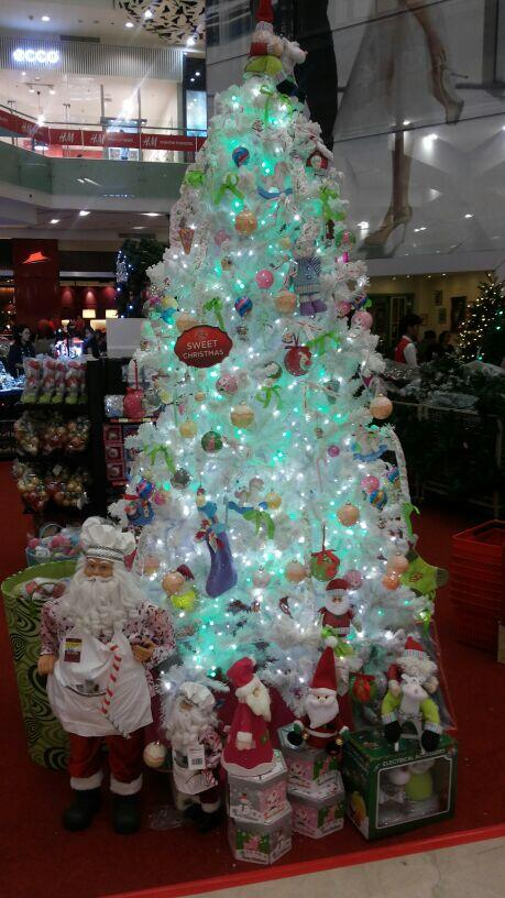 gandaria city on twitter get your thematic christmas tree at ace hardware christmas exhibition mini atrium lower ground floor httptcom6u3wm9cez