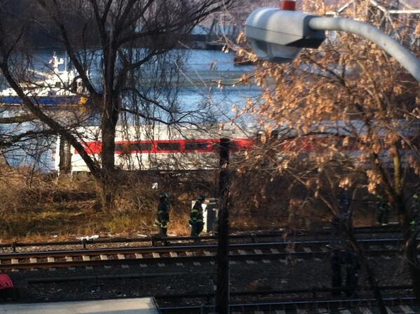 Train almost in fwater #derail #mnr http://t.co/BcVu4Vh86h